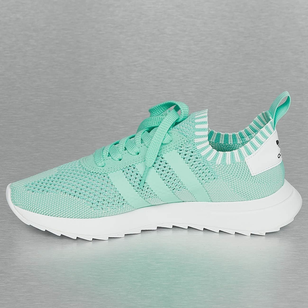 chaussures adidas nike femme